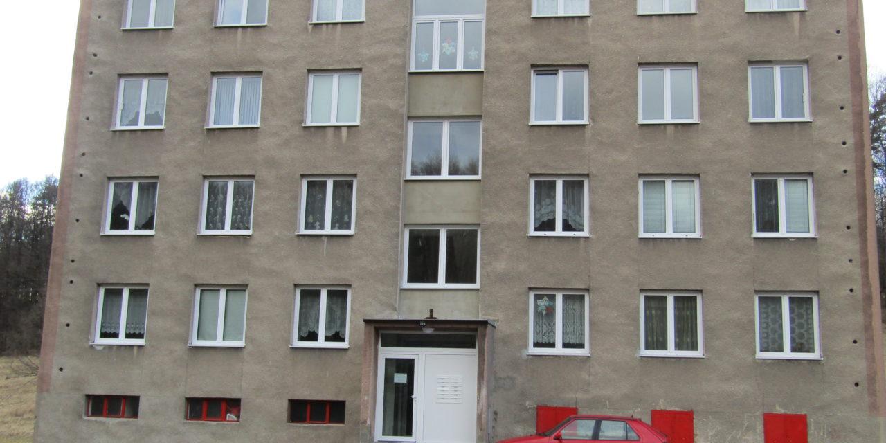 """12/2018 – Veřejná zakázka malého rozsahu """"Zateplení bytových domů v Dívčím Hradě"""""""