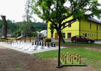 DSC09741 šachy a kuželky