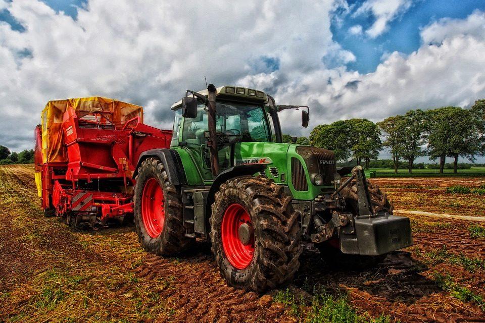 40/2018 – Oznámení o výběrovém řízení – traktorista/pilař
